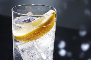 gin tonic eller tom collins foto