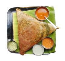 masala dosa, chutney och sambar foto