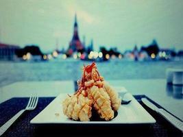 stekt räkor (japansk mat) foto