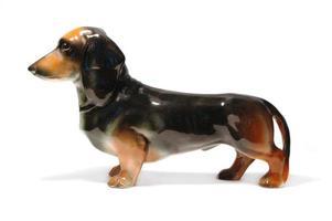 perro taxshund de ceramica foto