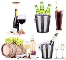 champagne, vin, öl, cola och mat foto