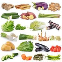 uppsättning grönsaker isolerad på vit bakgrund foto