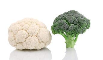 färsk blomkål och broccoli. foto