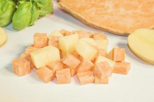 potatis och sötpotatis foto