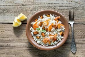 carnaroli ris med skaldjur foto