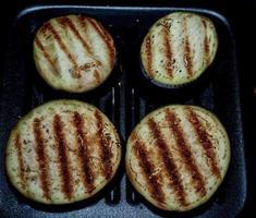 aubergine - grillad foto