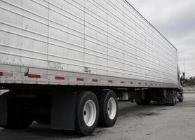 semi lastbil närbild foto