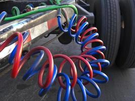hydraulslangar på kommersiell släpvagn foto