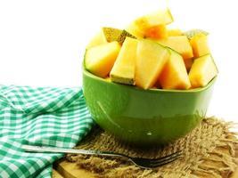 närbild av kantelmelonskivor foto