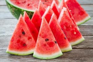 skivor av färsk saftig organisk vattenmelon foto