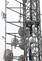 telekommunikationsantenner och repeater foto