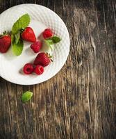 hallon och jordgubbar foto