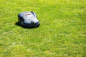 robot gräsklippare foto