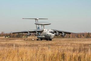 väcker radarflygplan foto