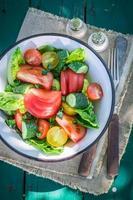 färska blandningsgrönsaker från landsbygden foto