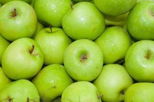 ovanifrån av grönt äpple foto