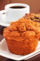 muffins och kaffe foto