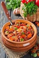 grönsaksgryta med kyckling och bönor