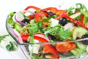 sallad med färska grönsaker