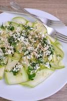 sallad från zucchini med ricotta foto