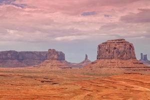 natursköna landskap i monumentdal foto