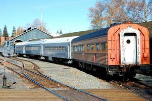 gammalt pensionerat tåg foto