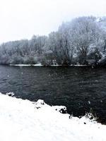 mörk flod foto