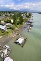 utsikt över flodstranden foto