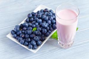 blåbär yoghurt foto