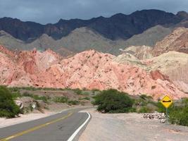 berg i norra Argentina foto