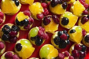 frukt tårtor foto