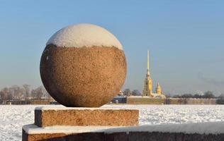 utsikt över floden Neva på vintern foto