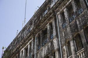 kolonialbyggnad i yangon foto