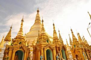 shwedagon paya i yangon, myanmar foto