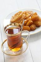 iransk te och godis foto