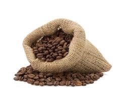 kaffebönor på vit bakgrund foto