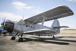gamla sovjetiska flygplan foto