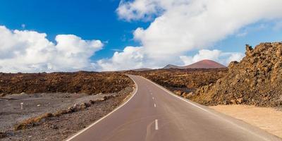 vulkaniskt landskap