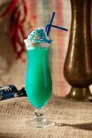 blå cocktail foto