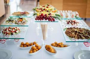 frukt och grönsaker dekoration på bröllopet. foto