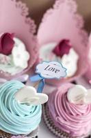muffins för valentin foto