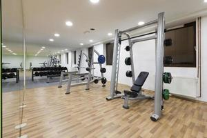 modern gym inredning foto