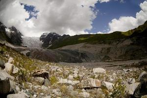 landskap av glaciären i swanetia foto