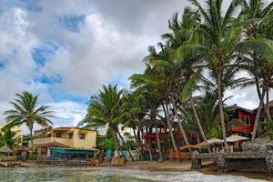 stranden av den lilla ön ngor i Atlanten foto