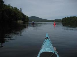 kajaker på saranac sjön foto