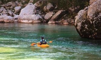 kajakpaddling på soca-floden, Slovenien