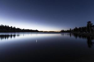 cirque lake gryning foto