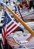 Lake Tahoe: träbåtar med amerikanska flaggor foto