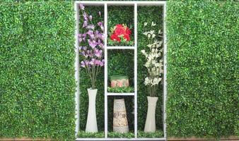 väggarna är dekorerade med naturliga foto