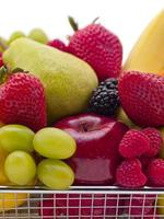 frukt i en korg foto